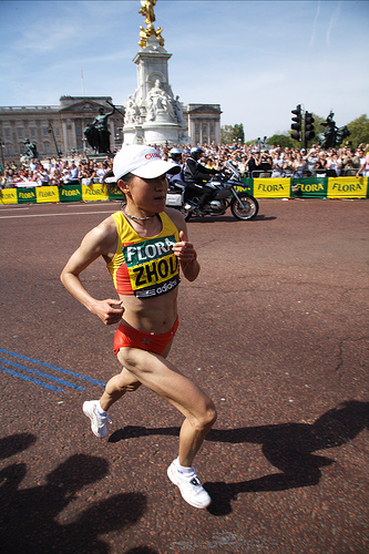 Zhou Chunxiu became the first Chinese woman to win the London Marathon